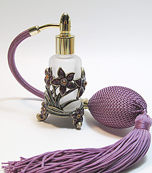 Antique perfume atomizer bottle